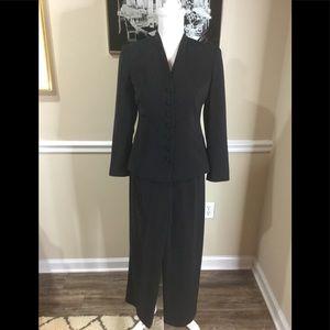 """""""Talbots"""" Suit Petite"""